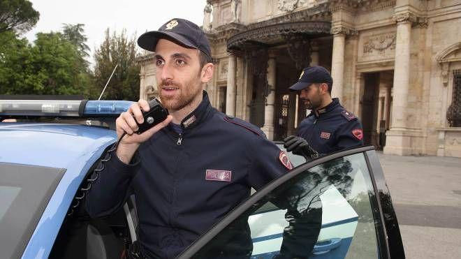 Il giovane è stato fermato dagli agenti nel centro città