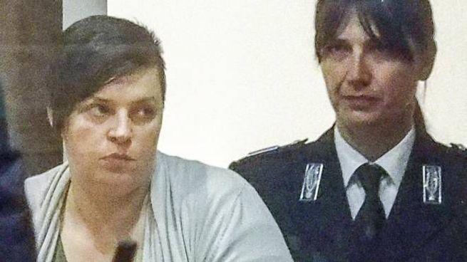 E' morta Monica Sanchi (a sinistra), era stata l'amante di Dritan Demiraj