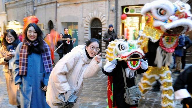 Capodanno cinese, la manifestazione è un punto di riferimento a Macerata (Calavita)