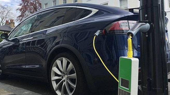 Ecobonus 2019, sconti e agevolazioni per chi compra un'auto nuova (Foto De Pascale)