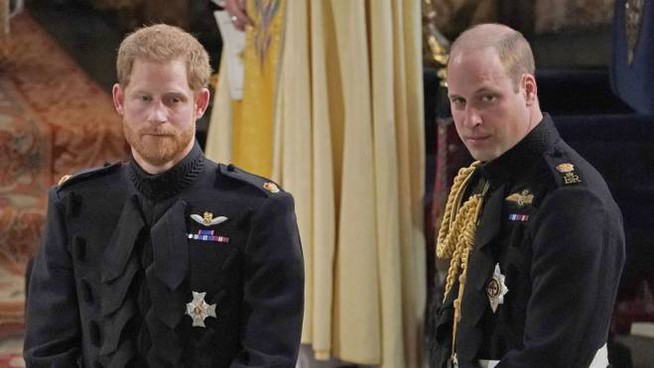 William e Harry attendono Meghan Markle all'altare