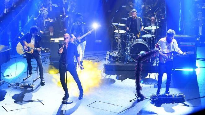Sanremo, i Negrita sul palco mercoledì sera (foto LaPresse)