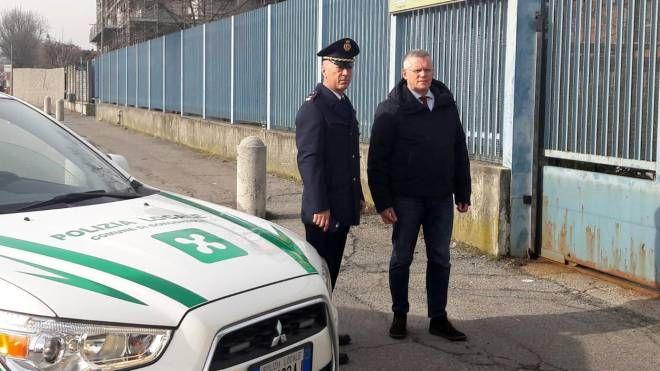 Il sindaco Angelo Stucchi con il comandante Antonio Pierni