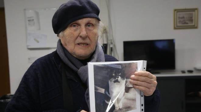Franco Biondi, proprietario del gatto Mimì