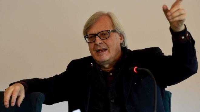 Il deputato di 'Rinascimento' Vittorio Sgarbi durante la conferenza stampa su Palazzo Massari