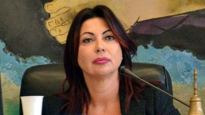 Lo sfogo della presidente del consiglio comunale Paola Gifuni è stato registrato ed è finito su Youtube. E la rete non perdona