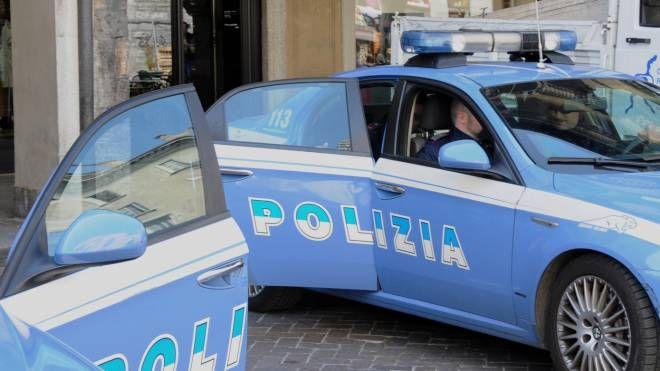 Un'auto della polizia (Foto di repertorio)