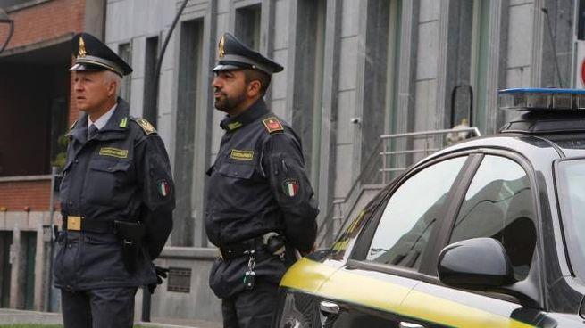 I MILITARI Nel mirino delle Fiamme gialle un 71enne  residente nel Tiranese. È  accusato di truffa aggravata (CdG)