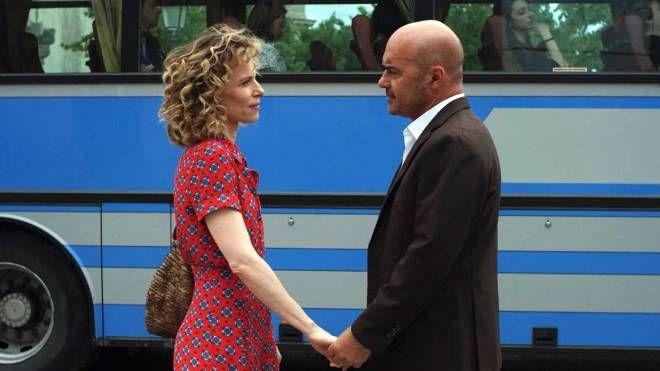 Luca Zingaretti e Sonia Bergamasco in una scena del Commissario Montalbano (Ansa)
