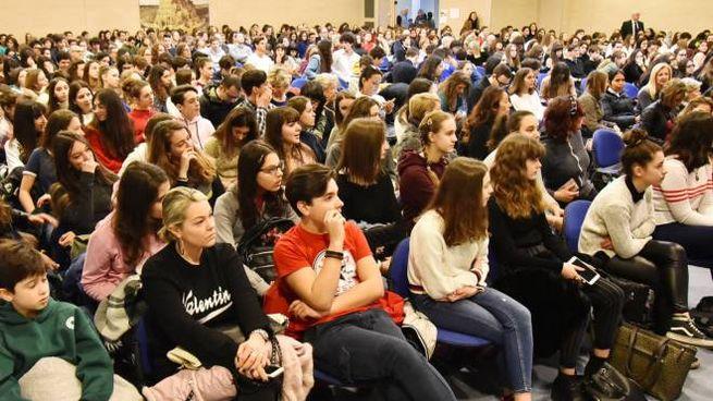 Il liceo classico Ernesto Cairoli celebra la Grecia