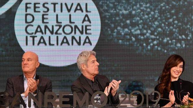 Sanremo 2019, Bisio, Baglioni e Raffaele (Lapresse)