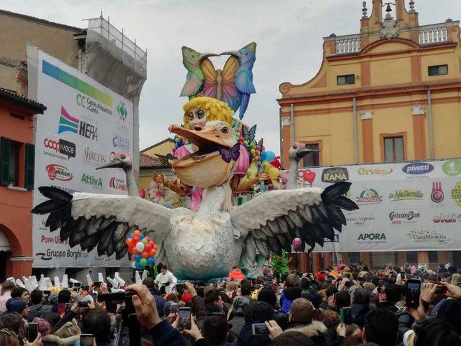 d9181effba32 Carnevale Cento 2019, ultima domenica. Chi vincerà? - Cosa Fare ...