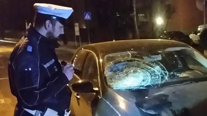 Incidente a Imola, l'auto che ha travolto la pensionata (Isolapress)