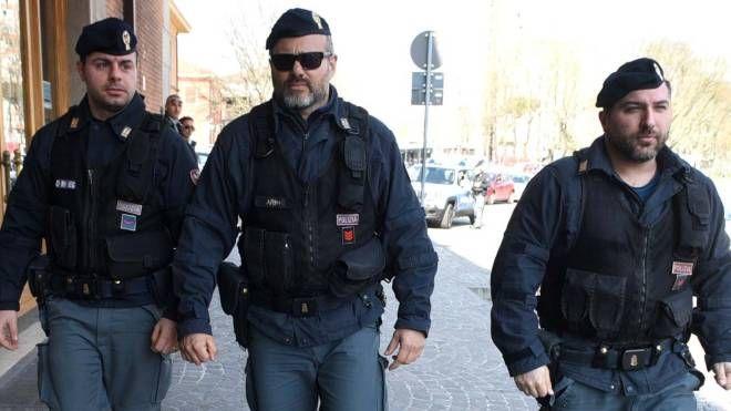 Sul posto la polizia di Stato (foto archivio Businesspress)