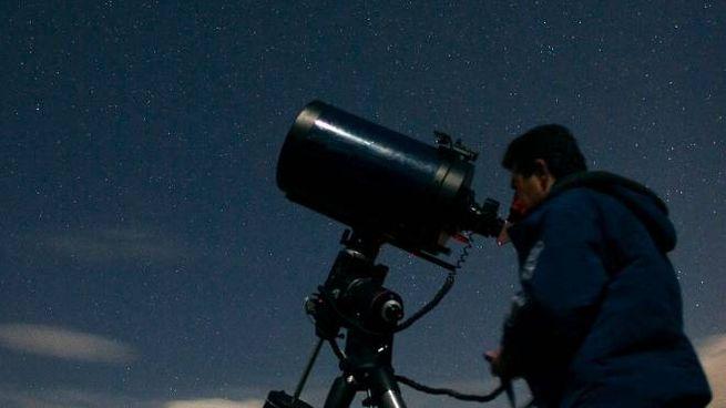 Attesa per la cometa Iwamoto (Lapresse)