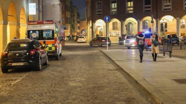 Nel tardo pomeriggio del 10 febbraio un giovane è morto in casa in via Zamboni, a Bologna
