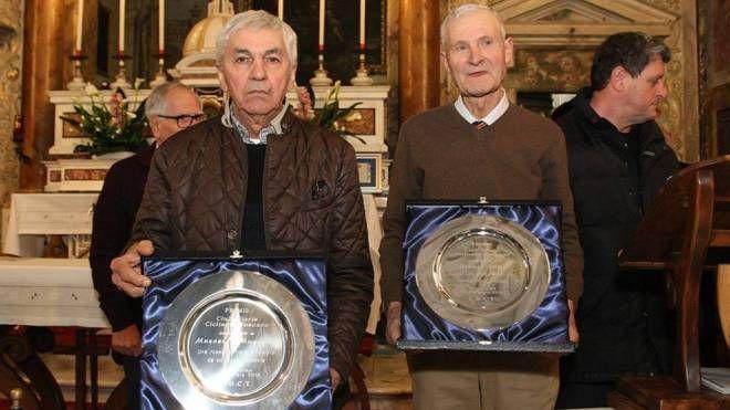 Da sinistra Marcello Mugnaini e Franco Lotti appena premiati