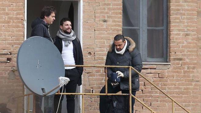 Il balistico Minervini riprende l'ingresso dell'abitazione