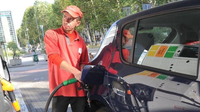 Un distributore di carburanti (foto di repertorio)