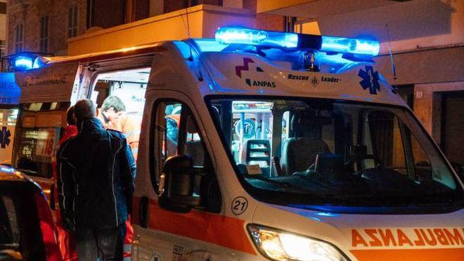Ambulanza in viale Masini (immagine di repertorio)