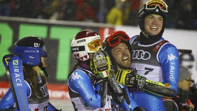Italia bronzo nel team event ad Are (Ansa)