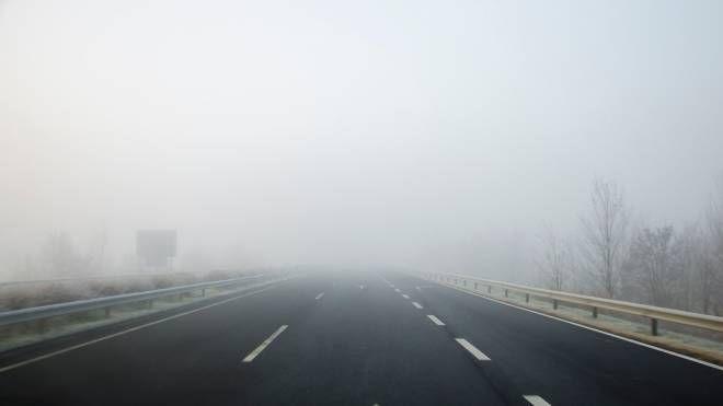 Meteo, torna lo smog. Attenzione alla nebbia (foto iStock)