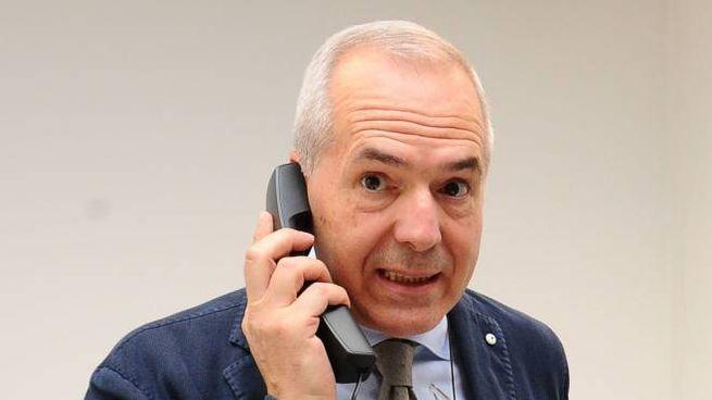 Giorgio Calderoni, forlivese, è nato a Buenos Aires. In città era stato consigliere comunale tra il 1990 e il 1995