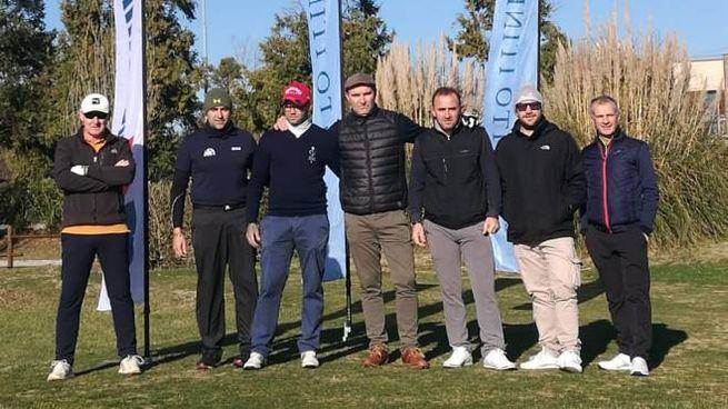Un gruppo di golfisti partecipanti alla tappa Itinera del Cosmopolitan