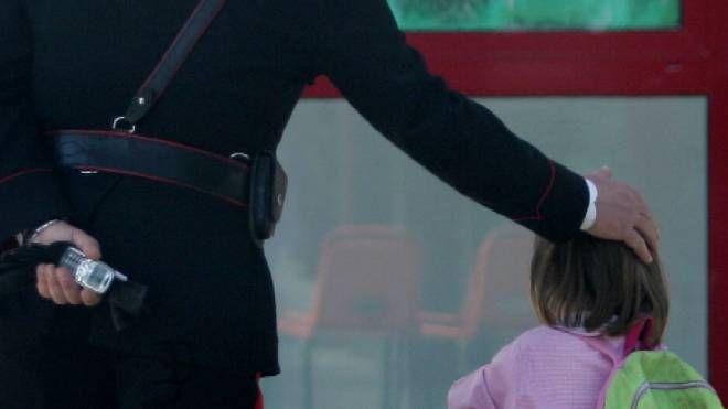 I carabinieri hanno riconsegnato la piccola ai genitori