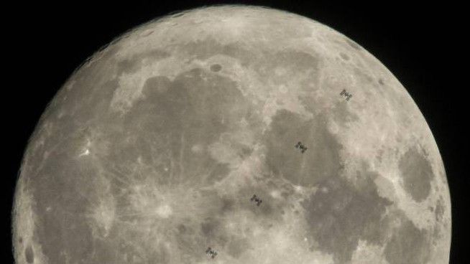 Superficie lunare, foto di repertorio (Epa)