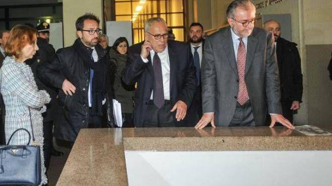 La visita  del ministro Bonafede all'indomani dell'incidente in Tribunale
