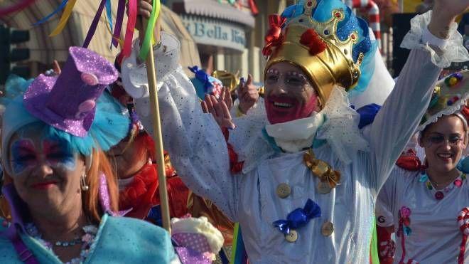 La musica del Carnevale ha animato le carrette, ma anche tante costruzioni. Un gradito ritorno... (Foto Umicini)