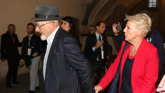 Tiziano Renzi e Laura Bovoli (foto Ansa)