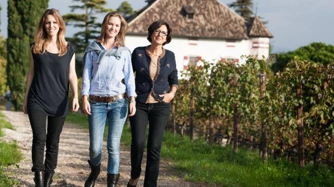 Julia e Karoline, con la mamma Emma Walch