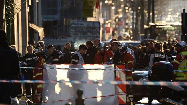 Marsiglia, uomo accoltella passanti. Ucciso dalla polizia (LaPresse)