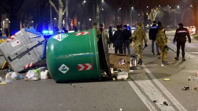 Ferrara, i disordini scatenati dai nigeriani in Gad (Foto Businesspress)