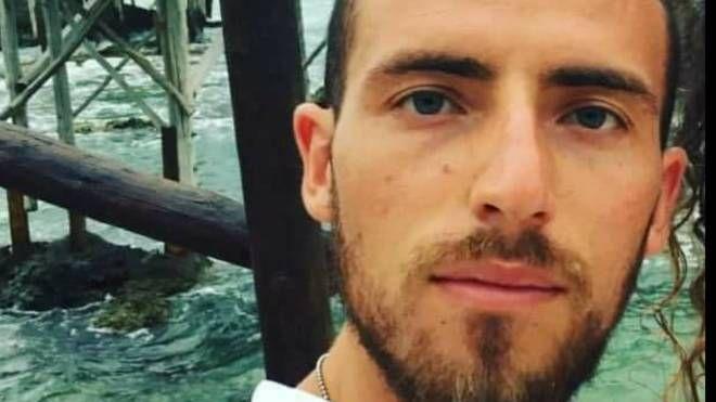 Stefano Feniello, 28 anni, morto a Rigopiano