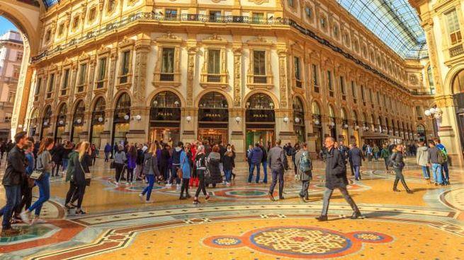 Caos In Galleria Gatto Rosso E Salotto Gare Bloccate Dai Giudici