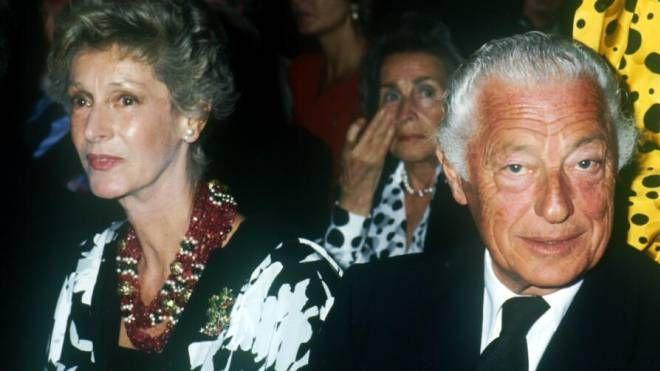Marella e Gianni Agnelli in un'immagine d'archivio
