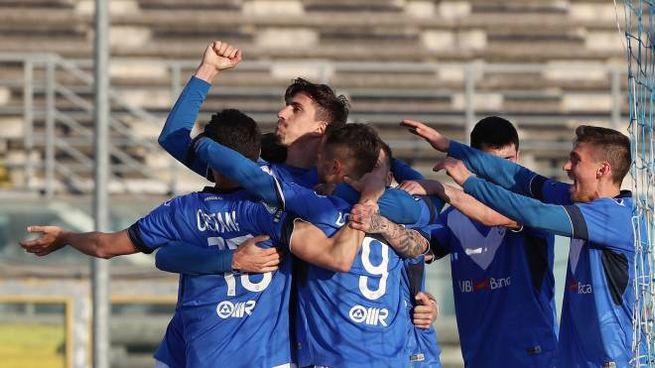 L'esultanza dopo il gol di Ndoj (Fotolive/Simone Venezia)