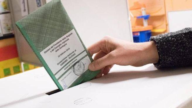 Elezioni Sardegna 2019 Affluenza In Crescita Assalto Armato A Una