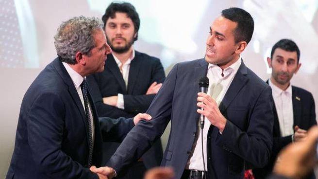Luigi Di Maio con Francesco Desogus, candidato governatore della Sardegna (Ansa)
