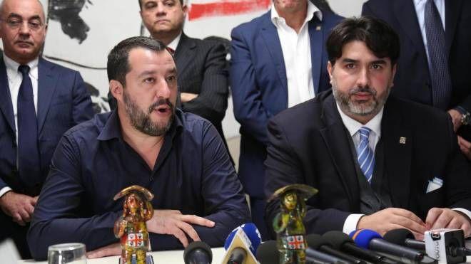 Il ministro dell'Interno Matteo Salvini con Christian Solinas (Ansa)