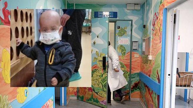 L'ospedale Salesi, nel riquadro il piccolo Mathias