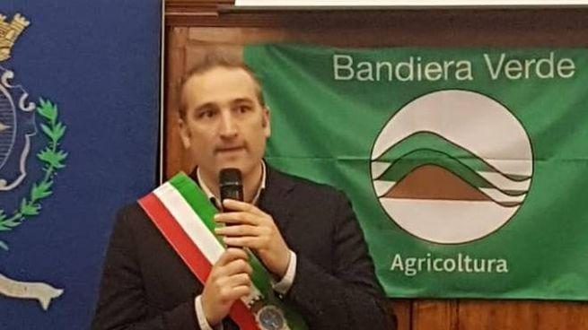 Il sindaco di Calci, Massimiliano Ghimenti (foto dal profilo facebook del primo cittadino)