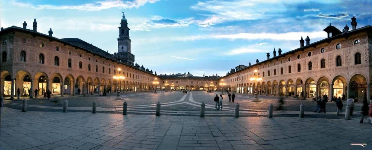 VIGEVANO  una delle città segnate dal passaggio di Leonardo  (foto C. Vassalli)