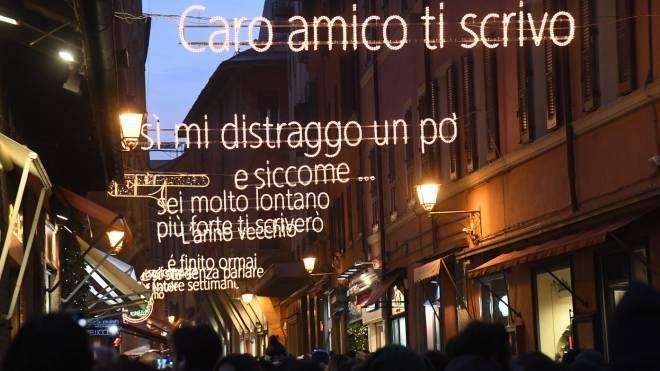 Saranno spente anche le luminarie-tributo a Lucio Dalla (foto Schicchi)