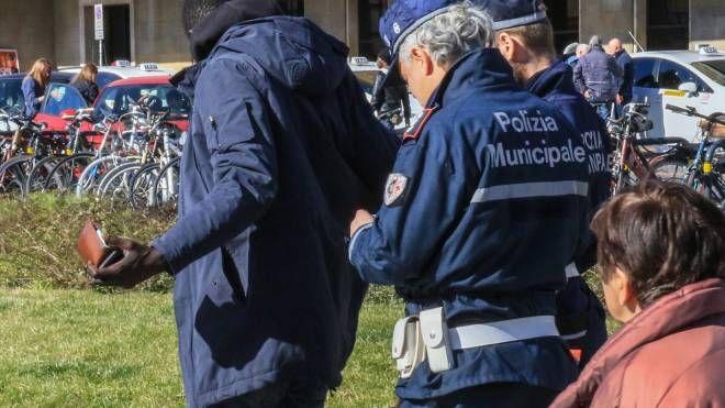 Polizia municipale a Firenze (Fotocronache Germogli)