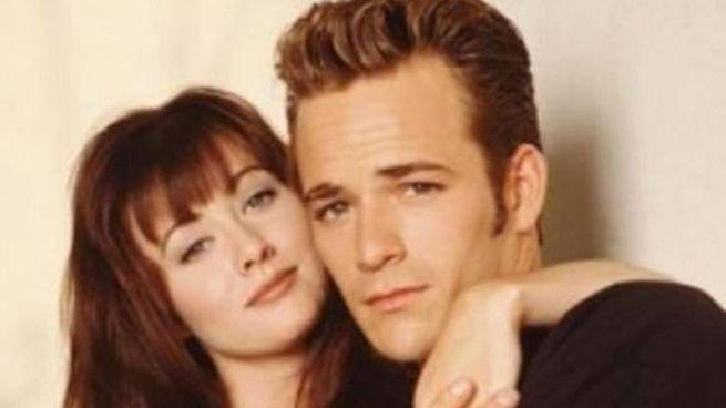 Una foto di Luke Perry e Shannon Doherty (S) interpreti di Beverly Hills 90210 (Ansa)