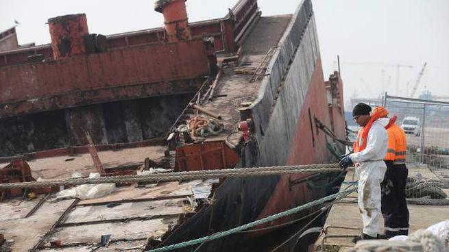 Ravenna, la Berkan B è affondata in pialassa (foto Zani)